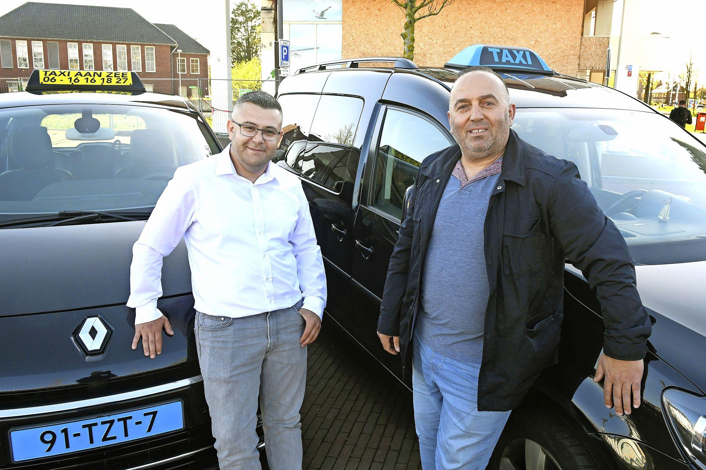 Eigenlijk jammer dat het voorbij is, die Ramadan, zeggen twee taxichauffeurs in Den Helder tegen elkaar. Ze hebben het er allebei weer op zitten