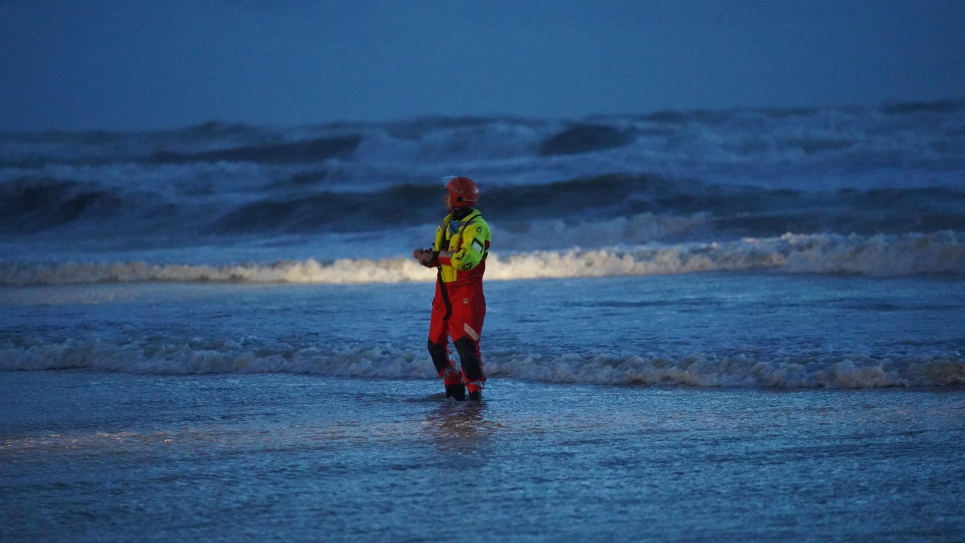 'Vermiste' zwemmers Castricum bereiken zelf vasteland. 'Eind goed al goed. Niemand in de problemen gekomen'