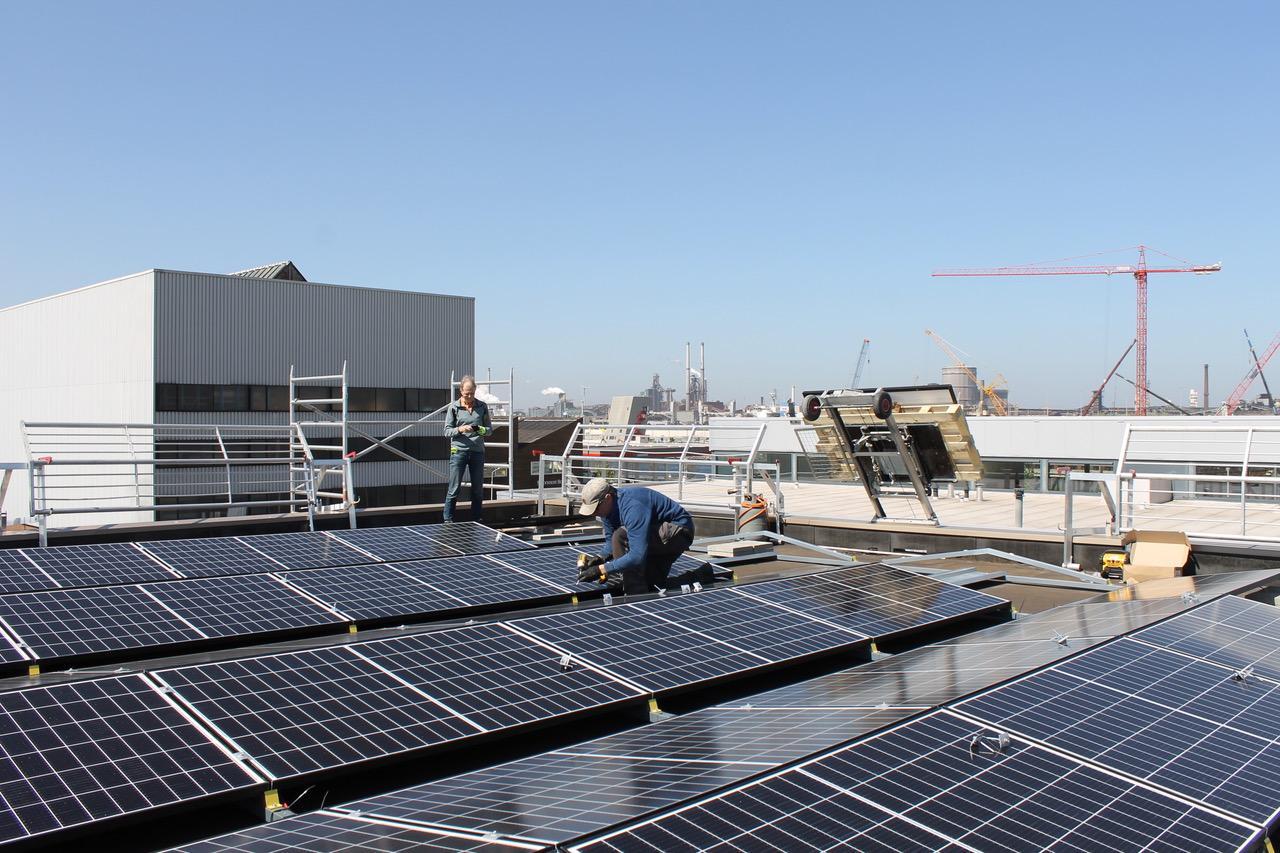 Energiek Velsen realiseert tweede collectieve zonnedak in Santpoort-Noord