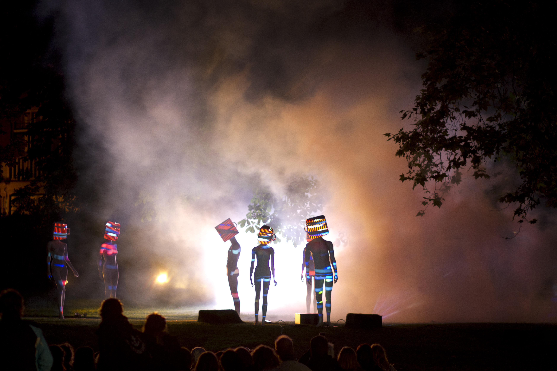 Alkmaar Light Festival: op expeditie langs Chinese lichtkunst, levende paspoppen en klassieke muziek
