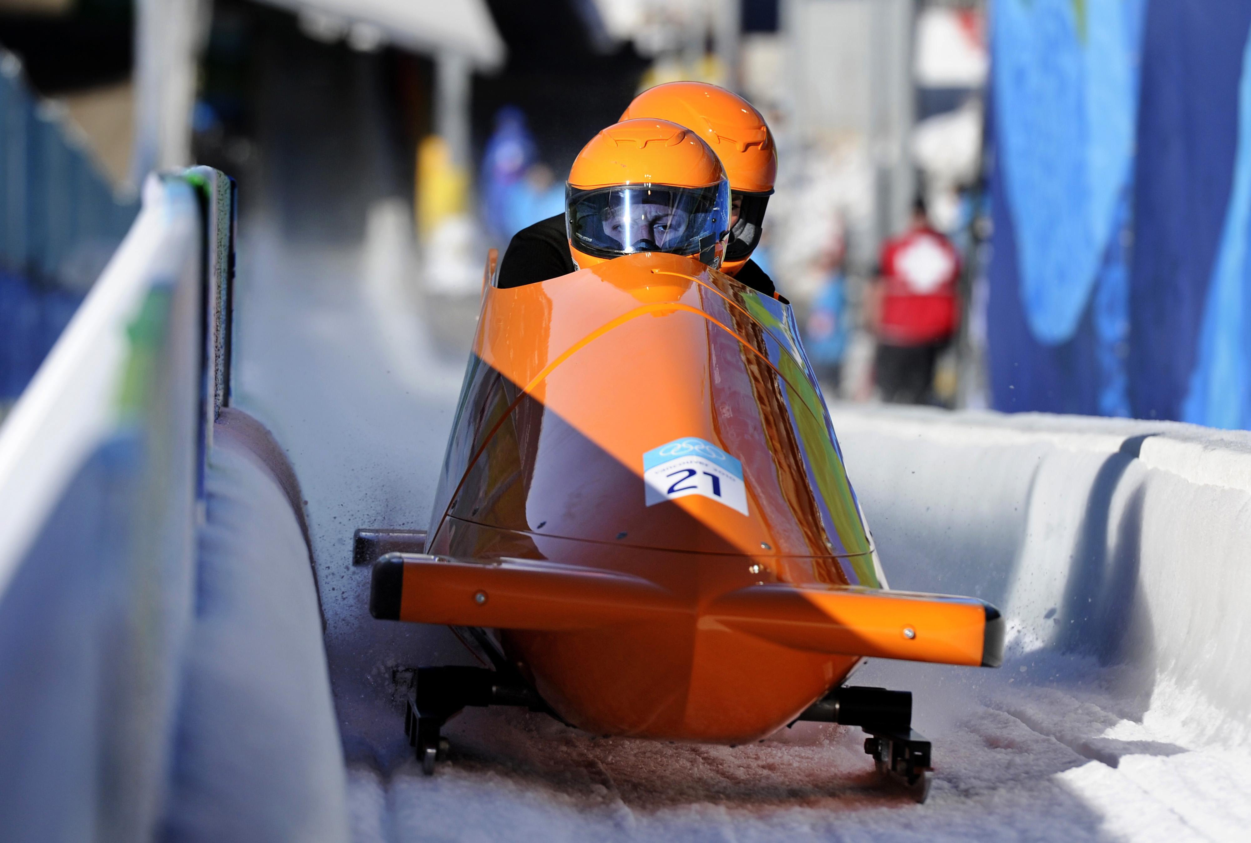 Olympiër Tine Veenstra kwam 'bij toeval' in een bobslee terecht: 'Ik zou twee weken helpen tijdens een training, maar ben wat langer blijven hangen'