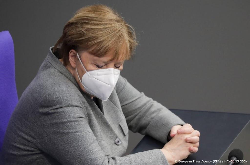 Merkel beraadt met deelstaten over strengere maatregelen