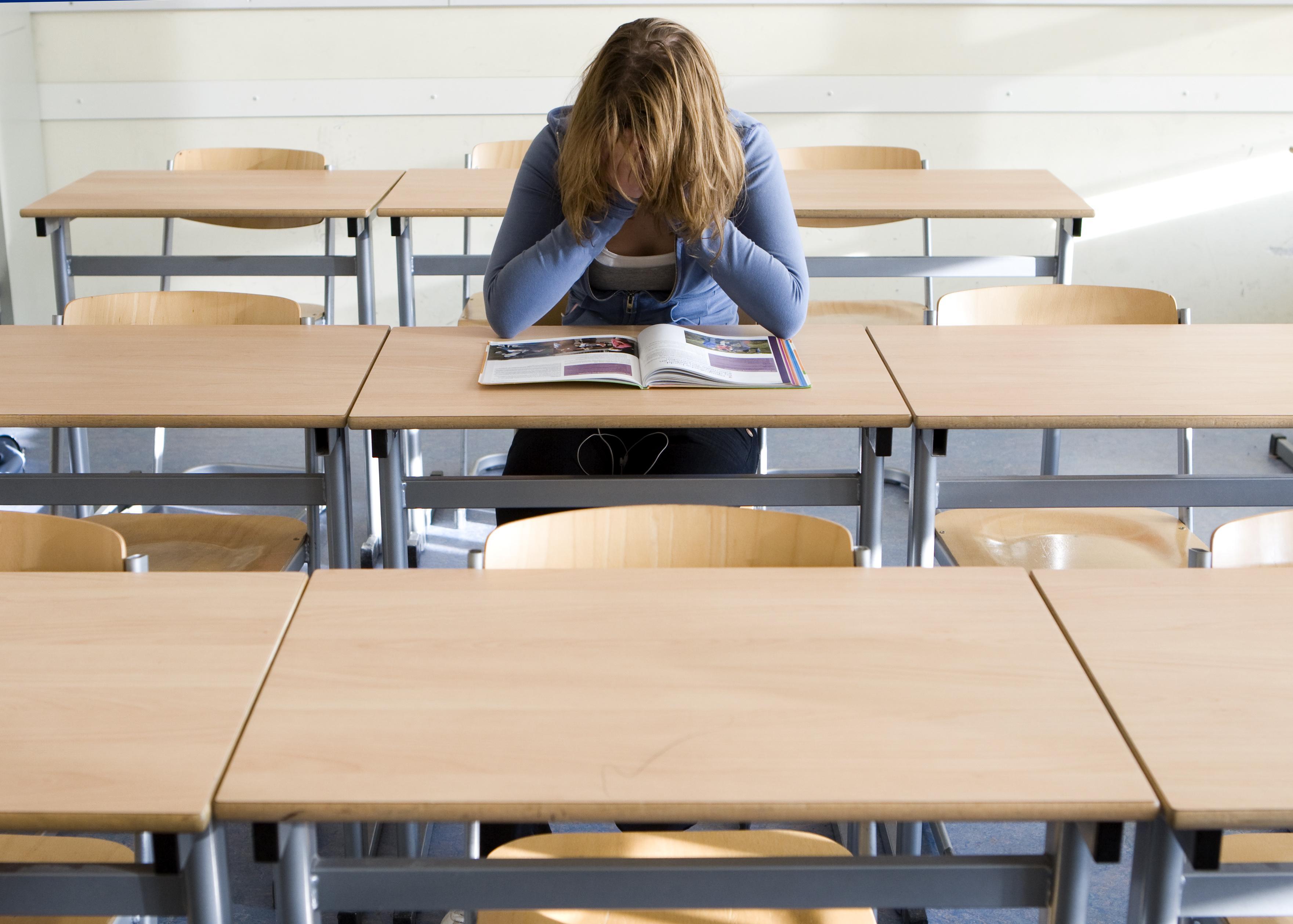 De kinderen verpieteren, middelbare scholen moeten alles op alles zetten voor meer les op school | Opinie