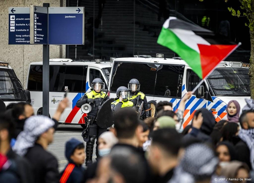 Ruim honderd aanhoudingen in Utrecht na noodbevel