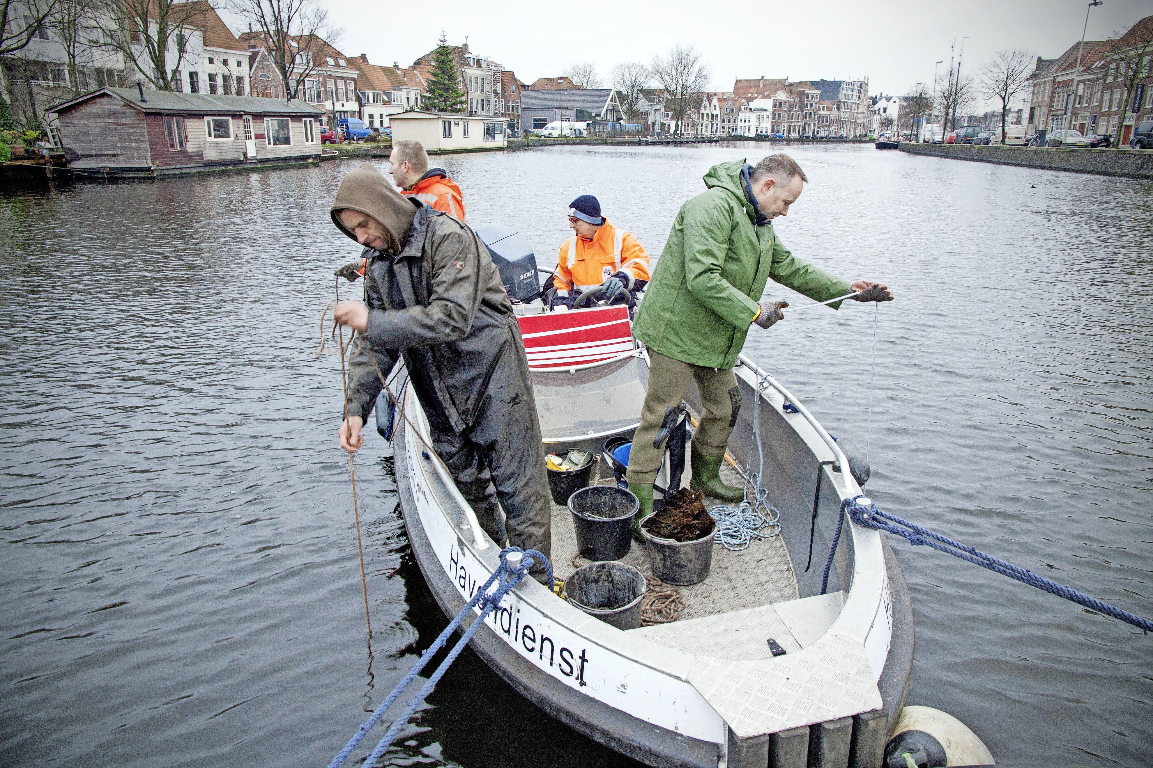 Magneetvissen is straks verboden en waterpijpcafés worden aan banden gelegd: nieuwe APV voor Haarlemmermeer