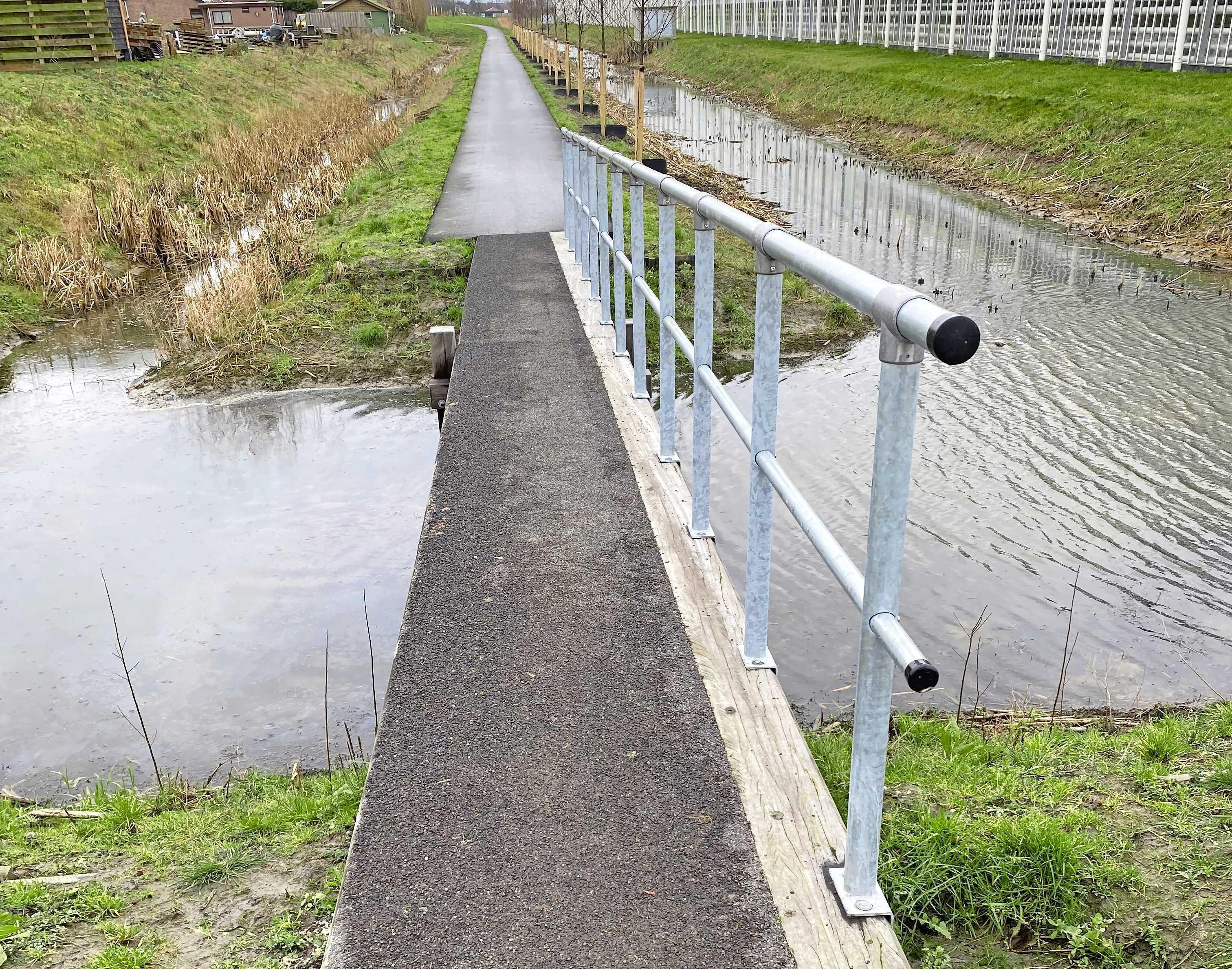 Openbaar park in Rijsenhout ontoegankelijk voor rolstoelers. HAP-raadslid Nikkie Elfers verbaast zich