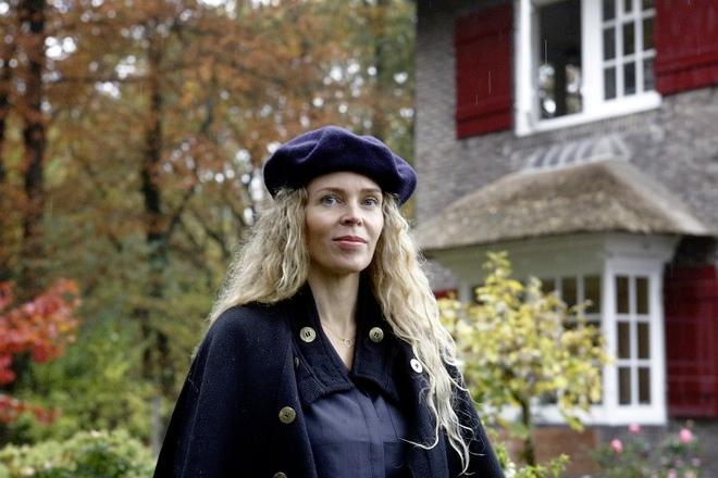 Schrijvers toch nog op tournee tijdens uitgestelde Boekenweek: Roxane van Iperen en Adriaan van Dis in de regio