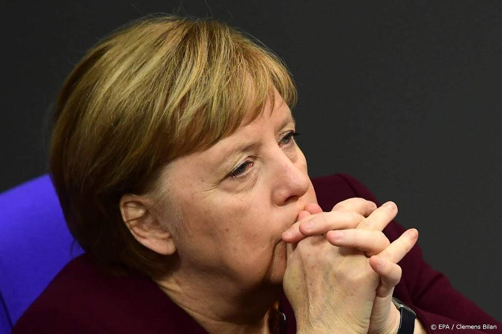 Man die tegen hek Merkel reed vrijgelaten