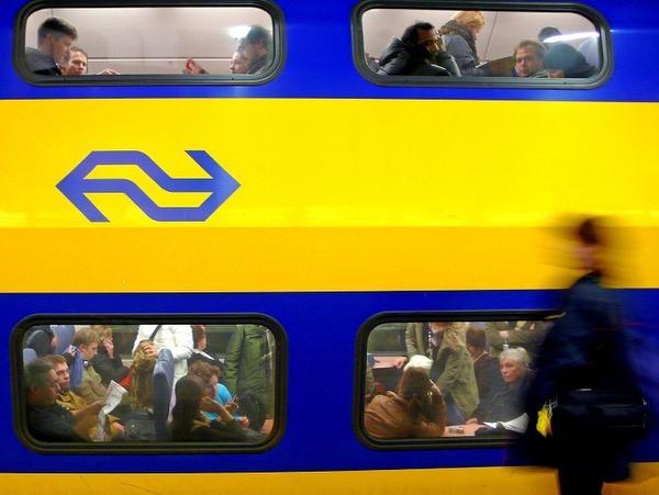 Storing tussen Hillegom en Leiden Centraal