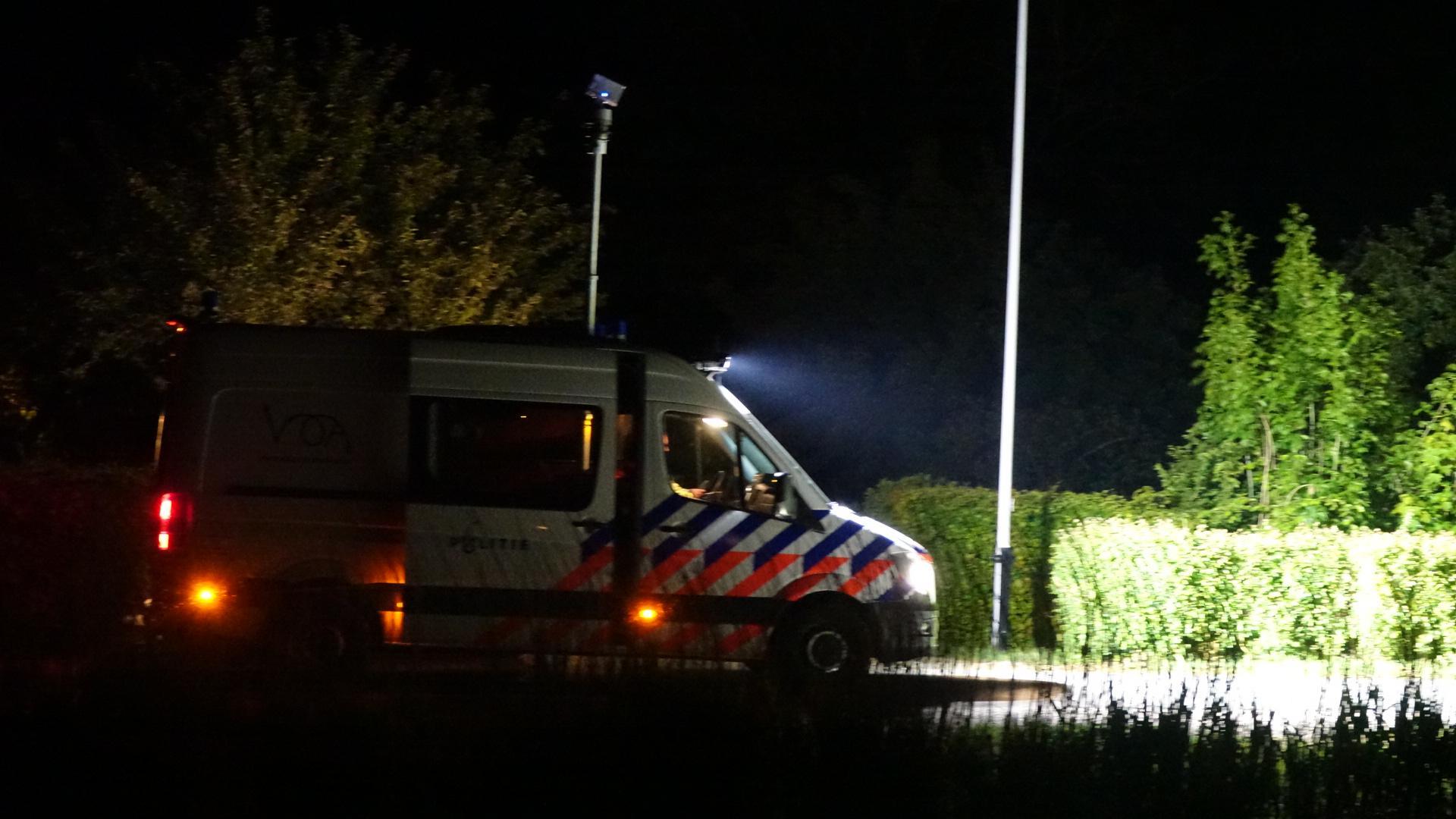 Man overleden na aanrijding op Groote Sloot, identiteit slachtoffer onbekend [video]