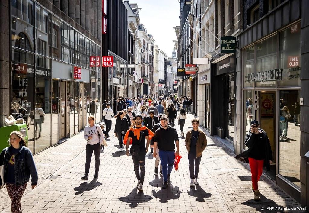 Winkels mogen weer meer en langer klanten ontvangen