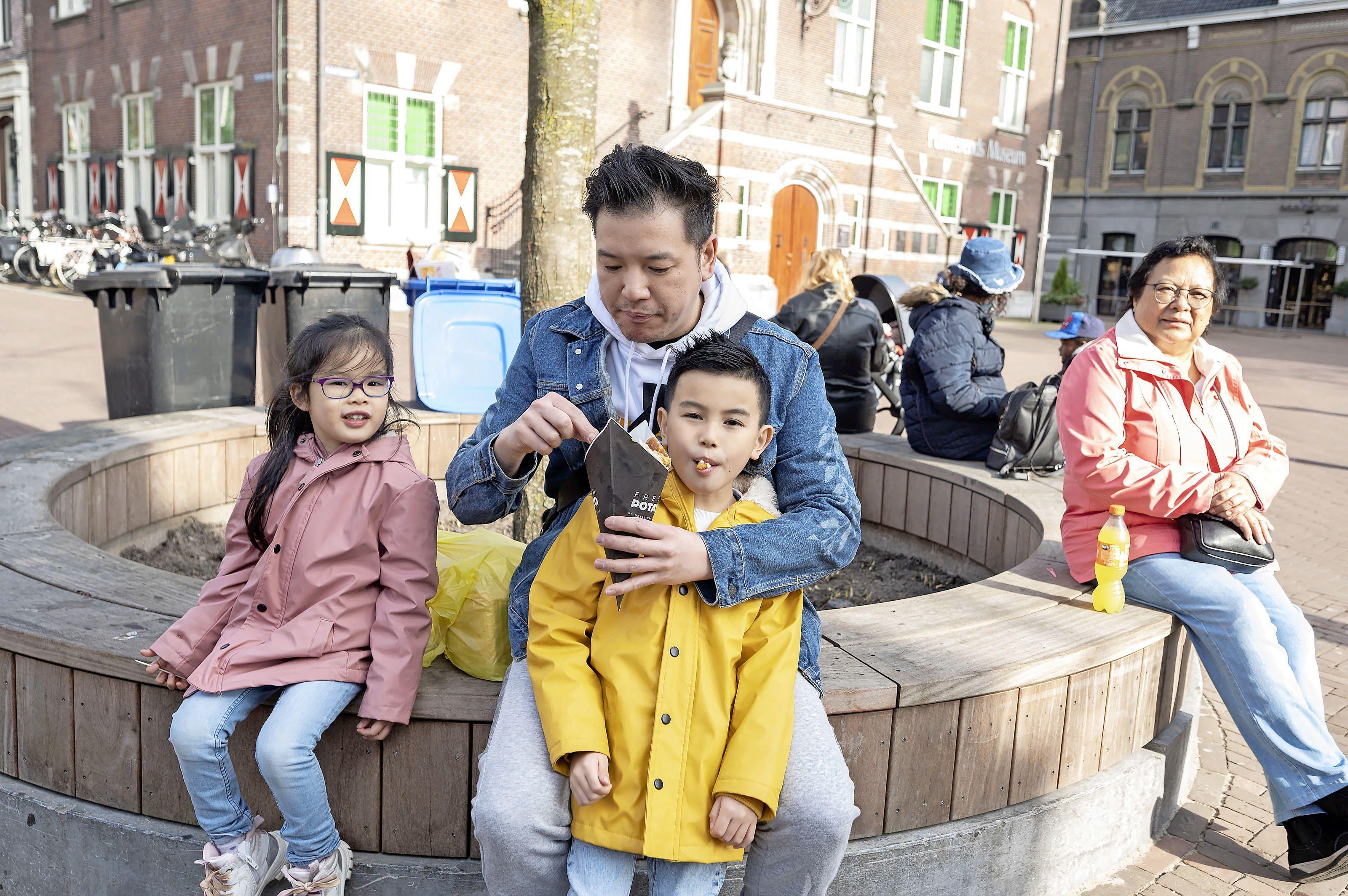 Wel naar de kapper, maar nog geen terrasje pakken, horecaondernemer Zaanse Schans vreest grote drukte bij afhaalloket: 'Terras kan juist bijdragen aan veiligheid'