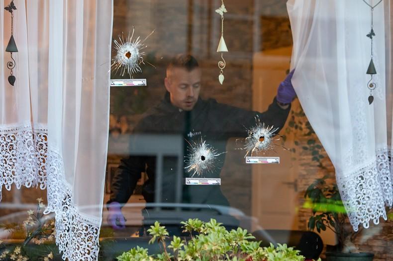 Woning beschoten in Bunschoten, bewoner gewond