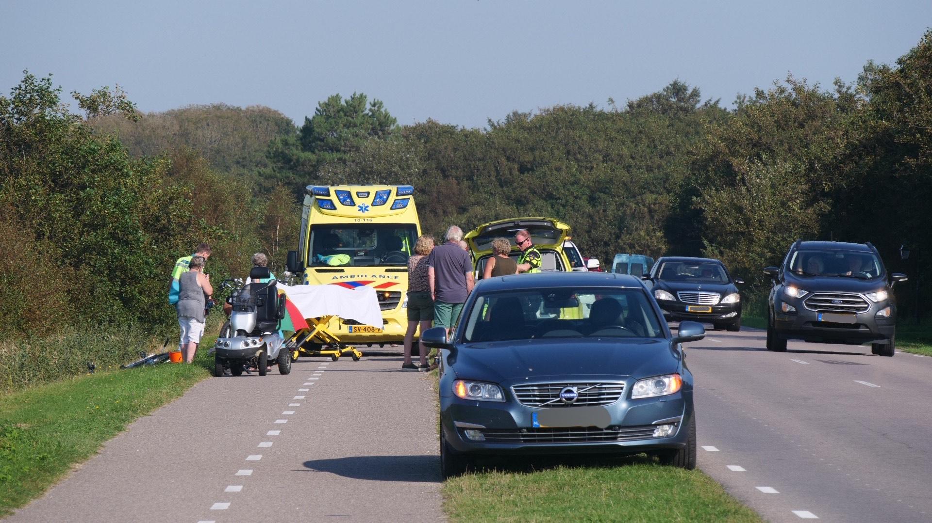 Politie Texel is op zoek naar vrouw op elektrische fiets die doorreed na ongeval waarbij vrouw op scootmobiel gewond raakte