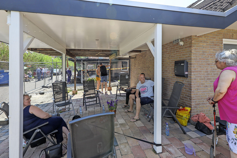 Slachtoffers woningbrand Zwaag kunnen voor zeker zes maanden hun huis niet in. 'Na twee dagen hotel wil je gewoon samen zijn'