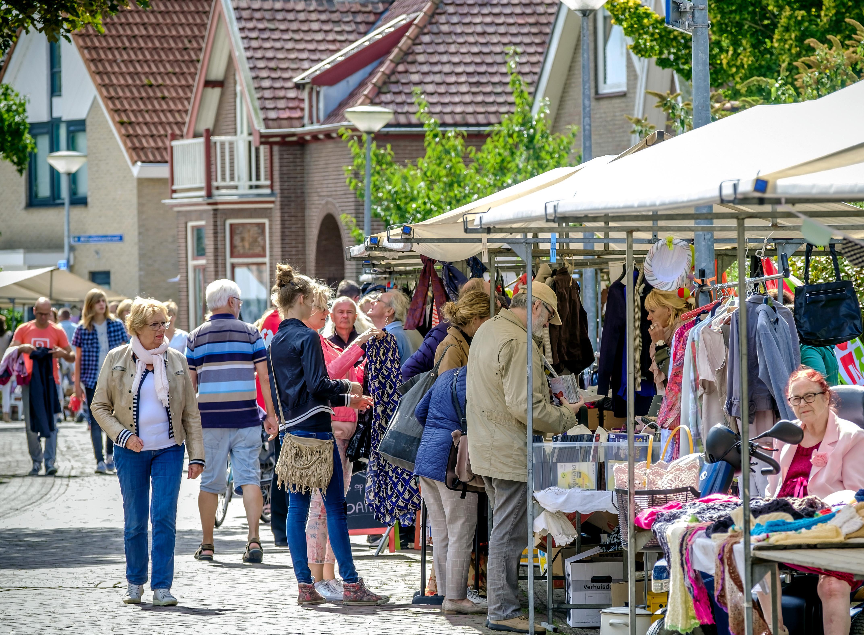 'Langedoikermarkt meer dan vrijmarkt'