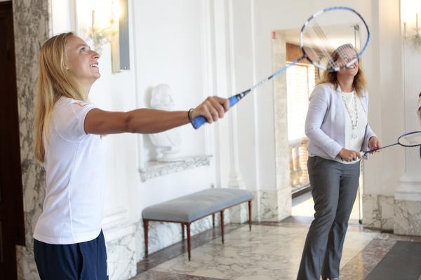 Weesp zet badmintonster Selena Piek in het zonnetje