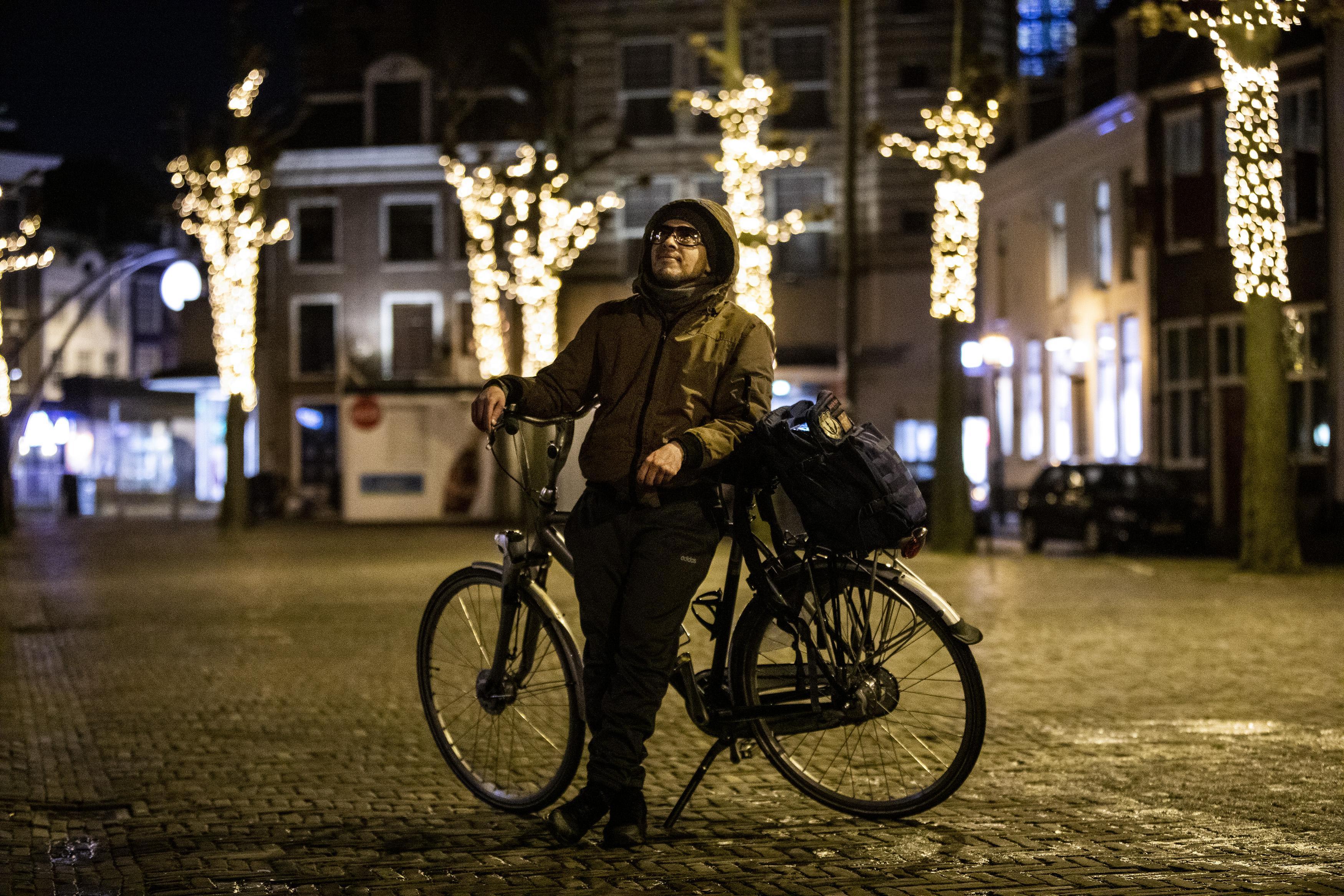Dit tref je aan je als op zaterdagavond door Haarlem loopt, nadat de avondklok is ingegaan