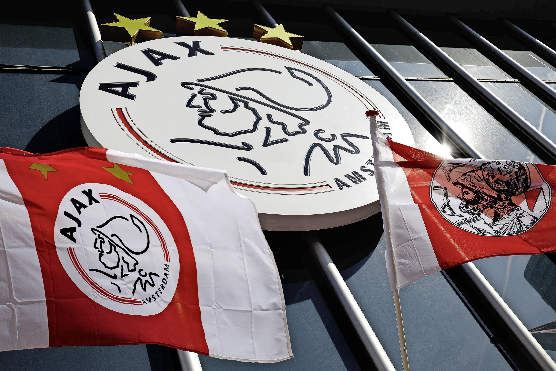 Ajax komt met retrojack voor gulle fans