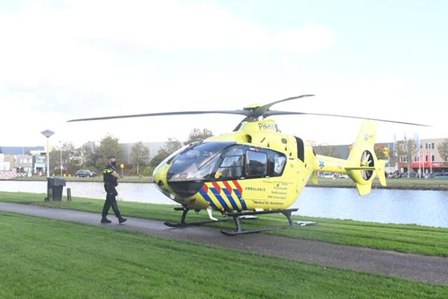 Persoon uit kanaal gehaald in Leiden; slachtoffer overleden