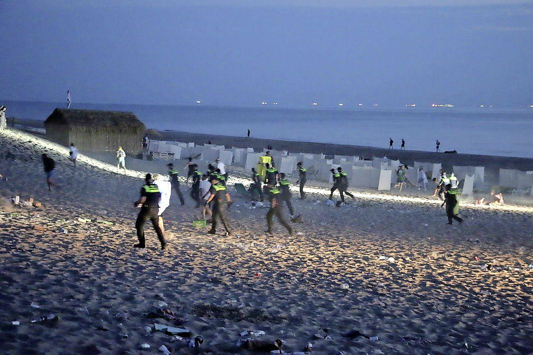Burgemeester Noordwijk noemt onrust op strand 'hardnekkige situatie'