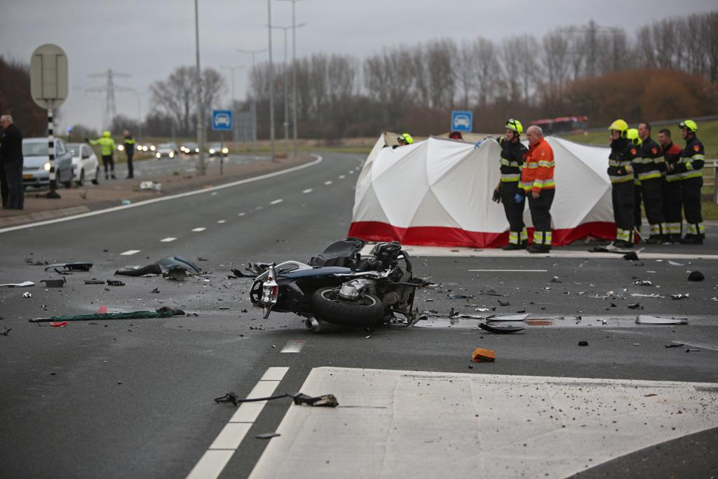 Motorrijder overleden bij zwaar ongeluk in Hoofddorp