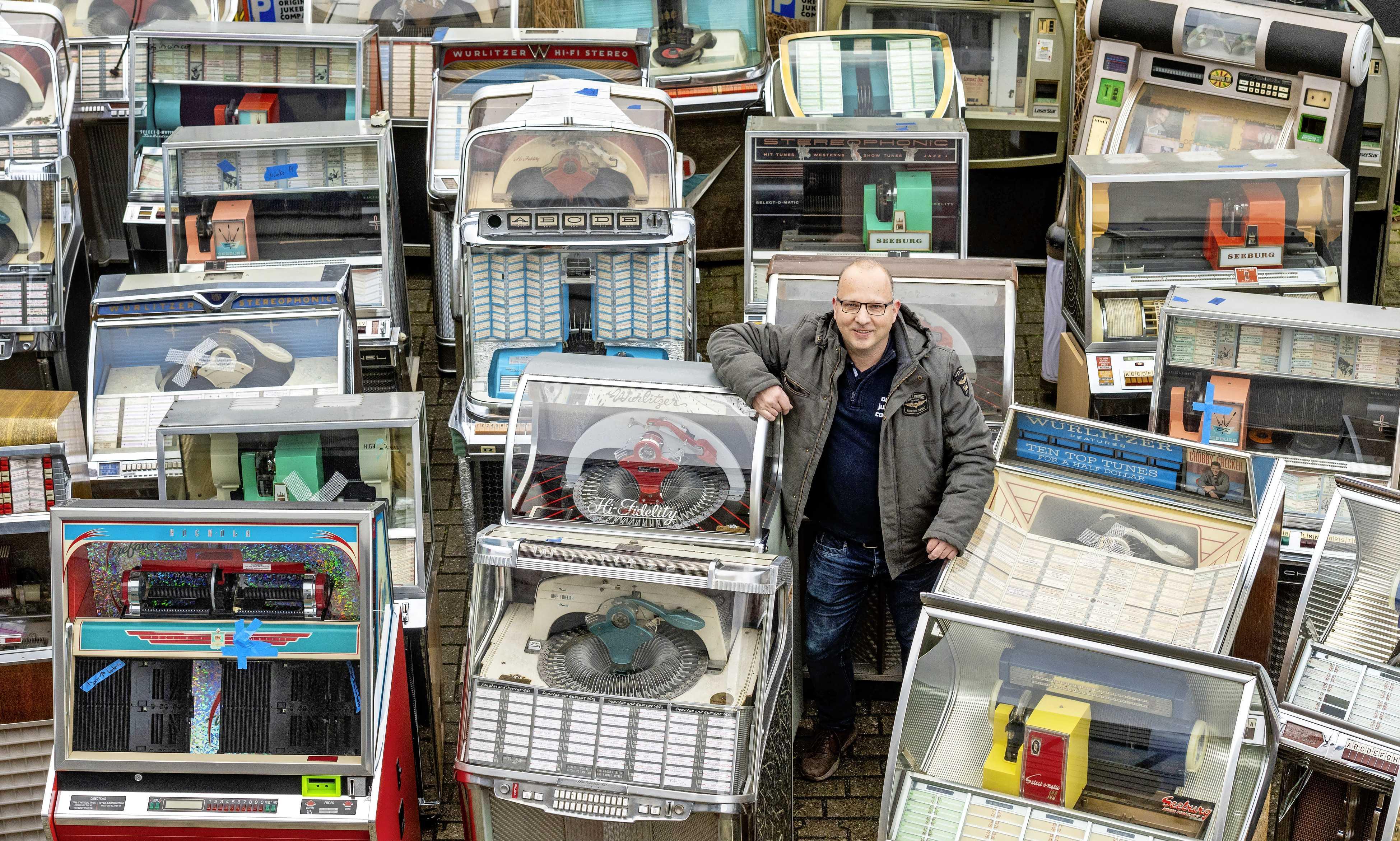 Vietnam-veteranen zijn loyale kameraden bij de import van jukeboxen