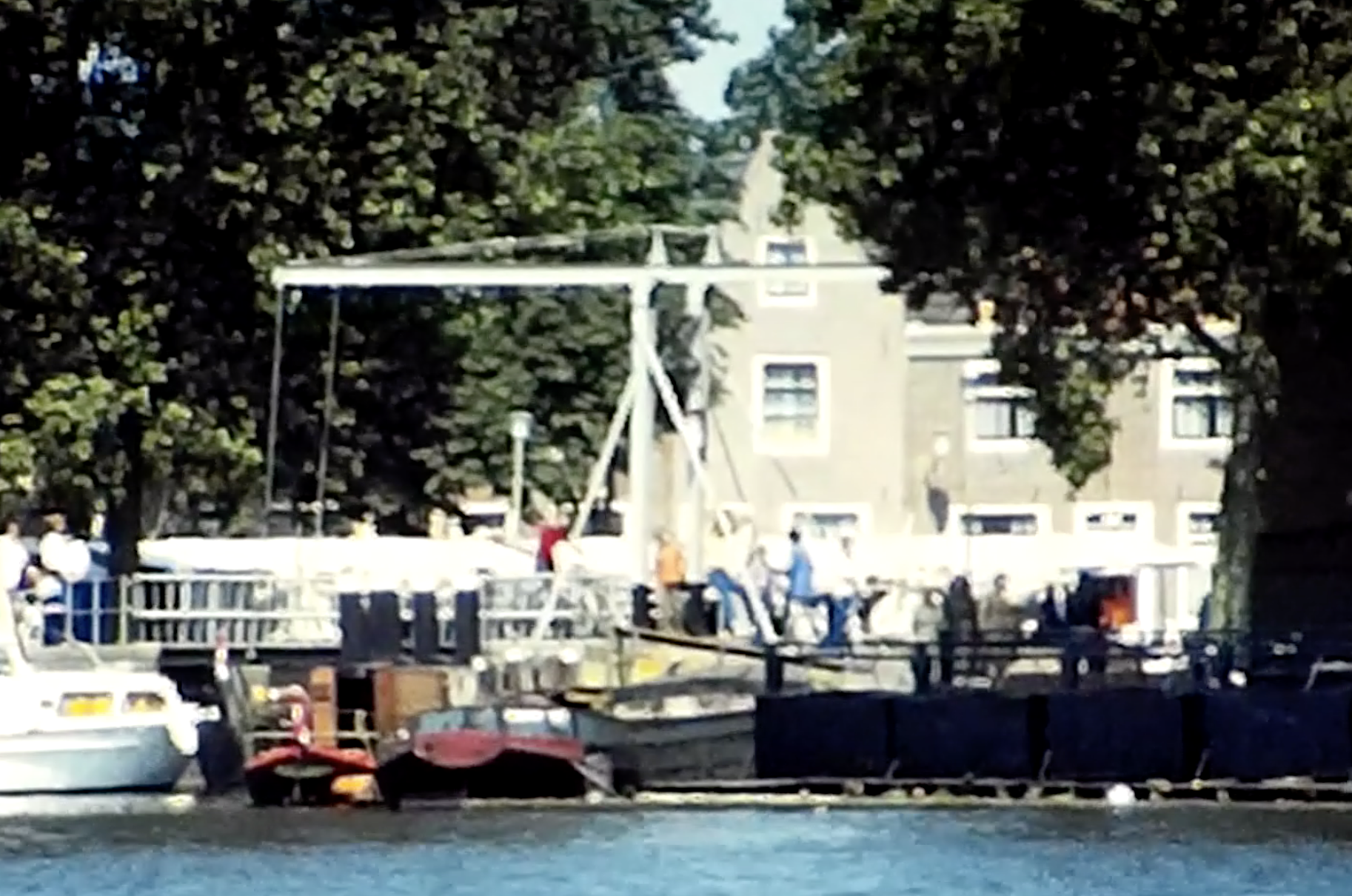Bewegend Verleden: kunstmarkt Spaarndam [video]