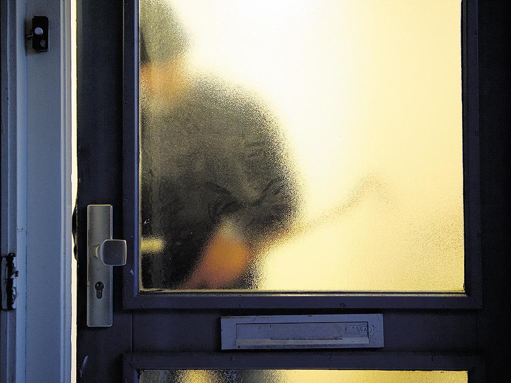 Verdachte aangehouden uit Rijsenhout voor poging woninginbraak in Aalsmeer