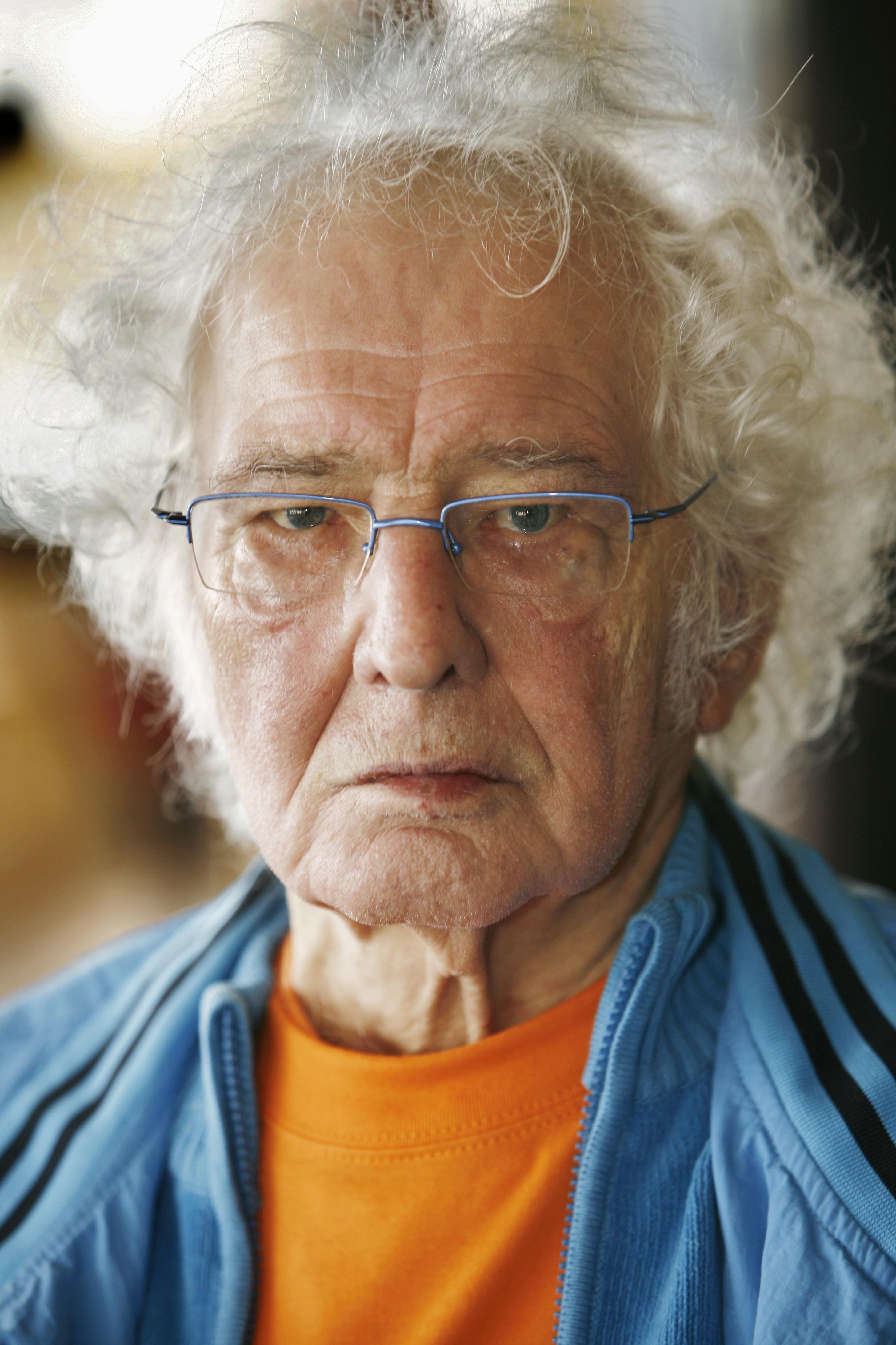 Biografie Jan Wolkers leidt tot exposities en muurgedicht
