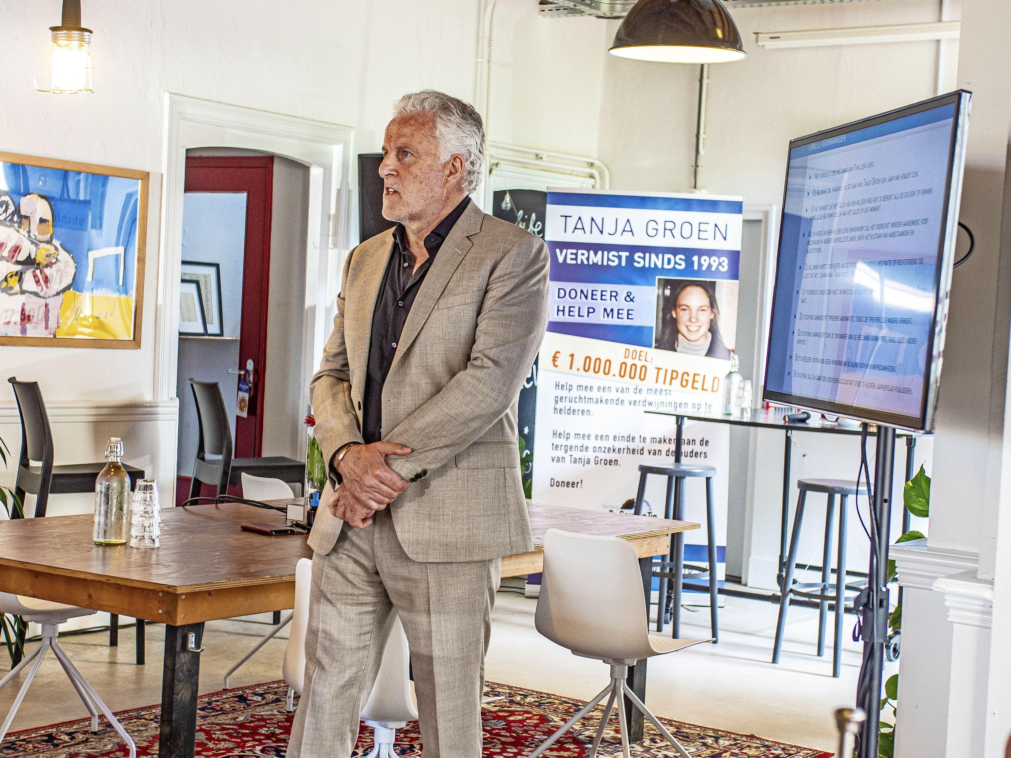 Een dag voor hij wordt neergeschoten kijkt Peter R. de Vries hoopvol de zaal in. 'Het is belangrijk dat we de aandacht op Tanja Groen blijven vestigen'