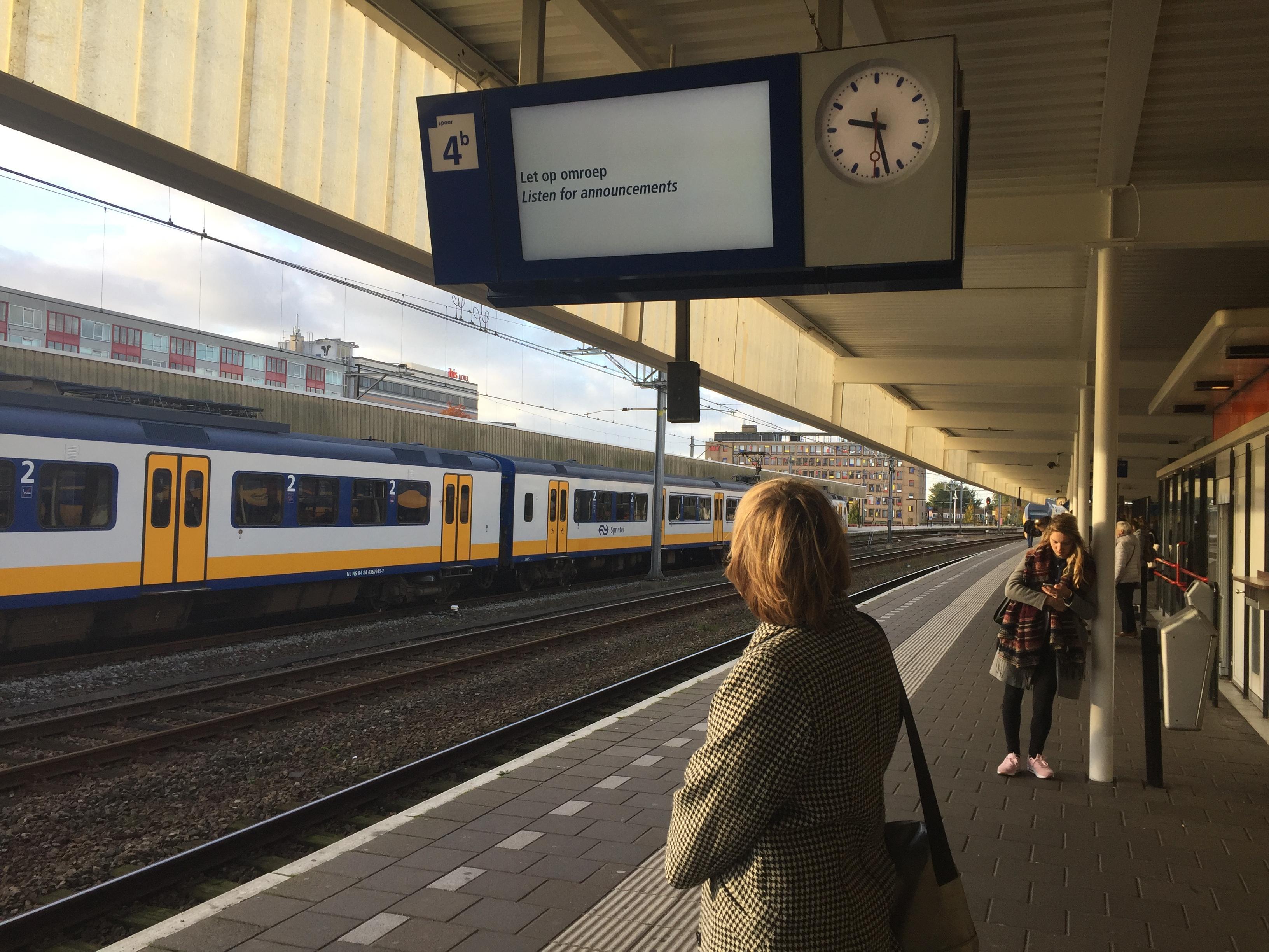 Informatieborden op station Leiden Centraal hebben storing