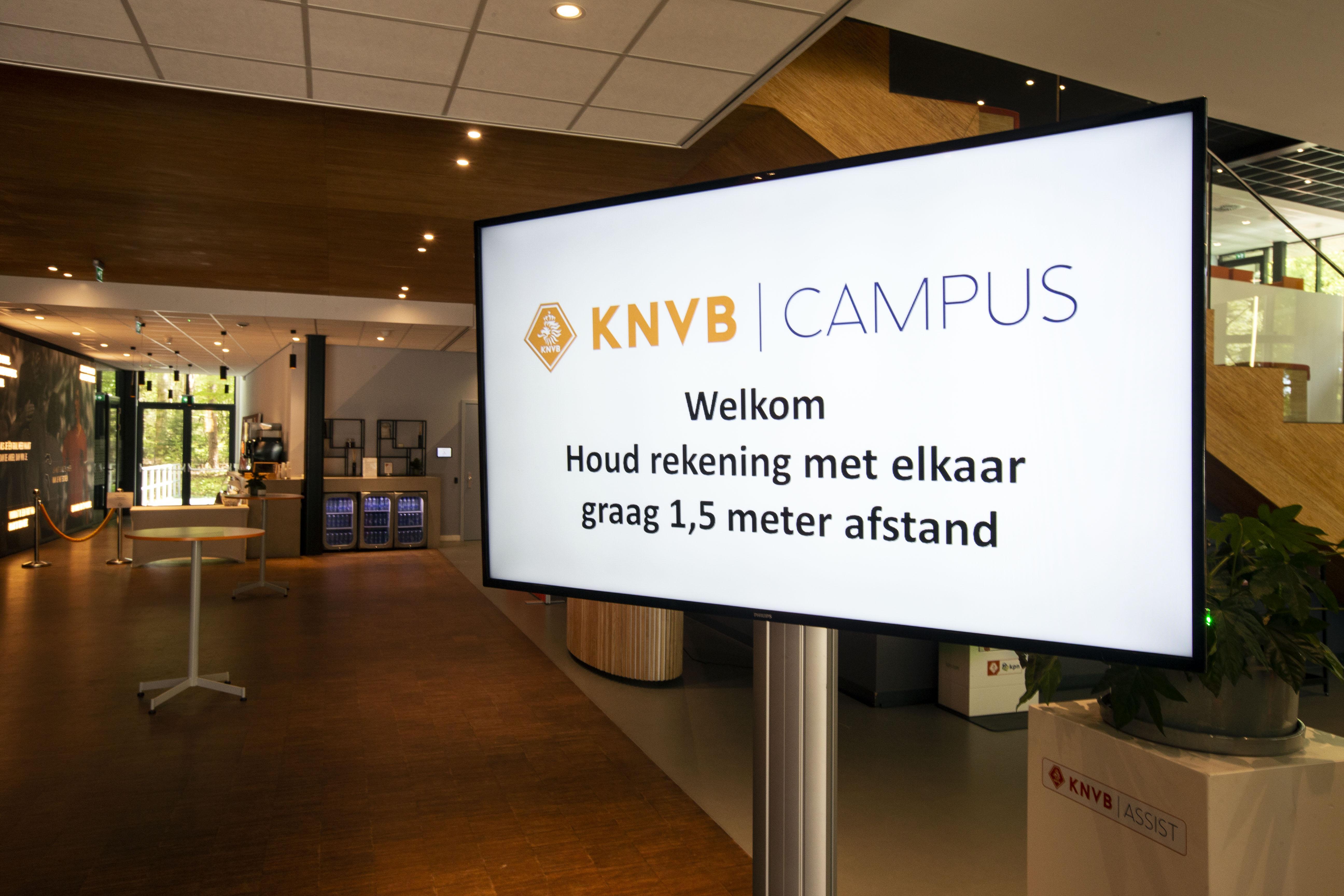 KNVB beslist: 'Ajax geen kampioen, maar wel naar de Champions League, AZ tweede; geen promotie en degradatie'