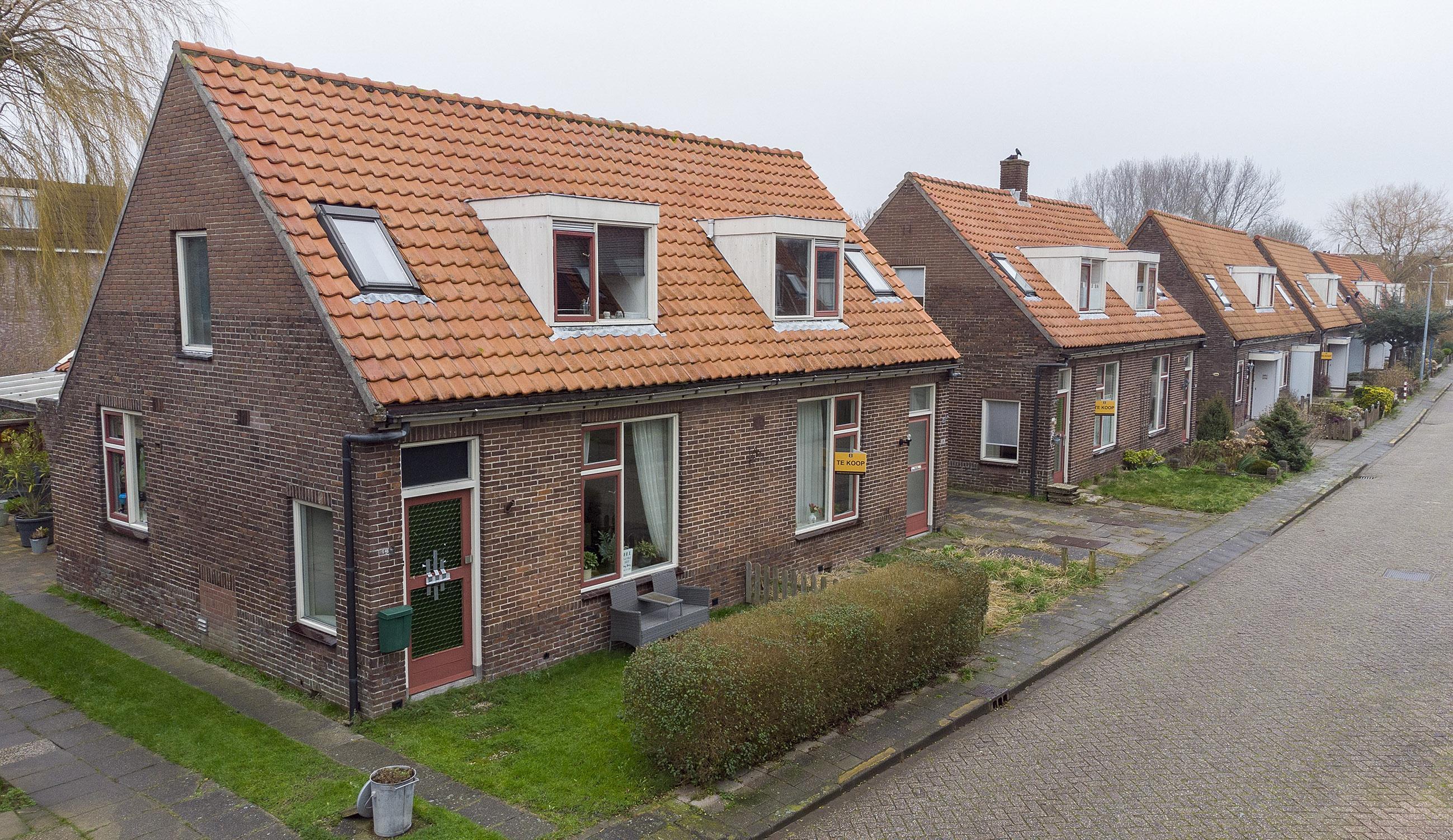 Boekje geeft beeld van met sloop bedreigde Oostwijk