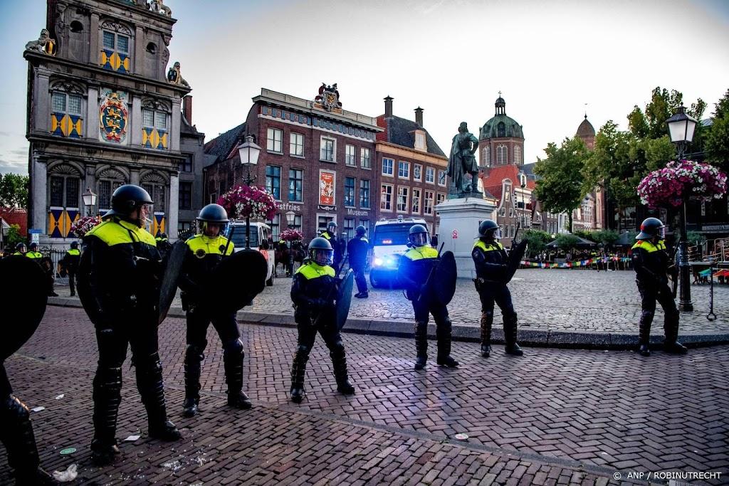 Politie zet beelden verdachten rellen Hoorn online