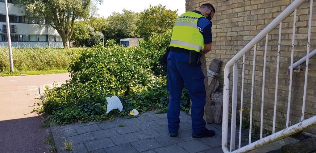 Den Helder heeft weer genoeg toezichthouders en boa's. Wethouder Remco Duijnker: 'Er zijn meldingen blijven liggen, maar die achterstand lopen we in'
