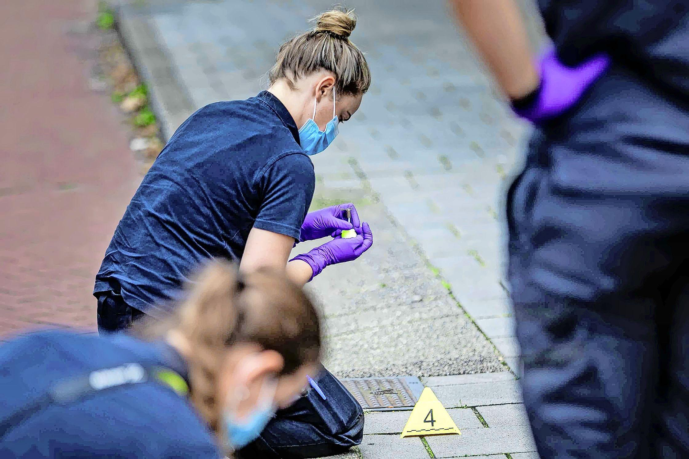 Gewonde door heftig schietincident bij Schulpweg in Velsen-Noord, twee verdachten opgepakt. 'De laatste tijd was het juist wel weer rustig'