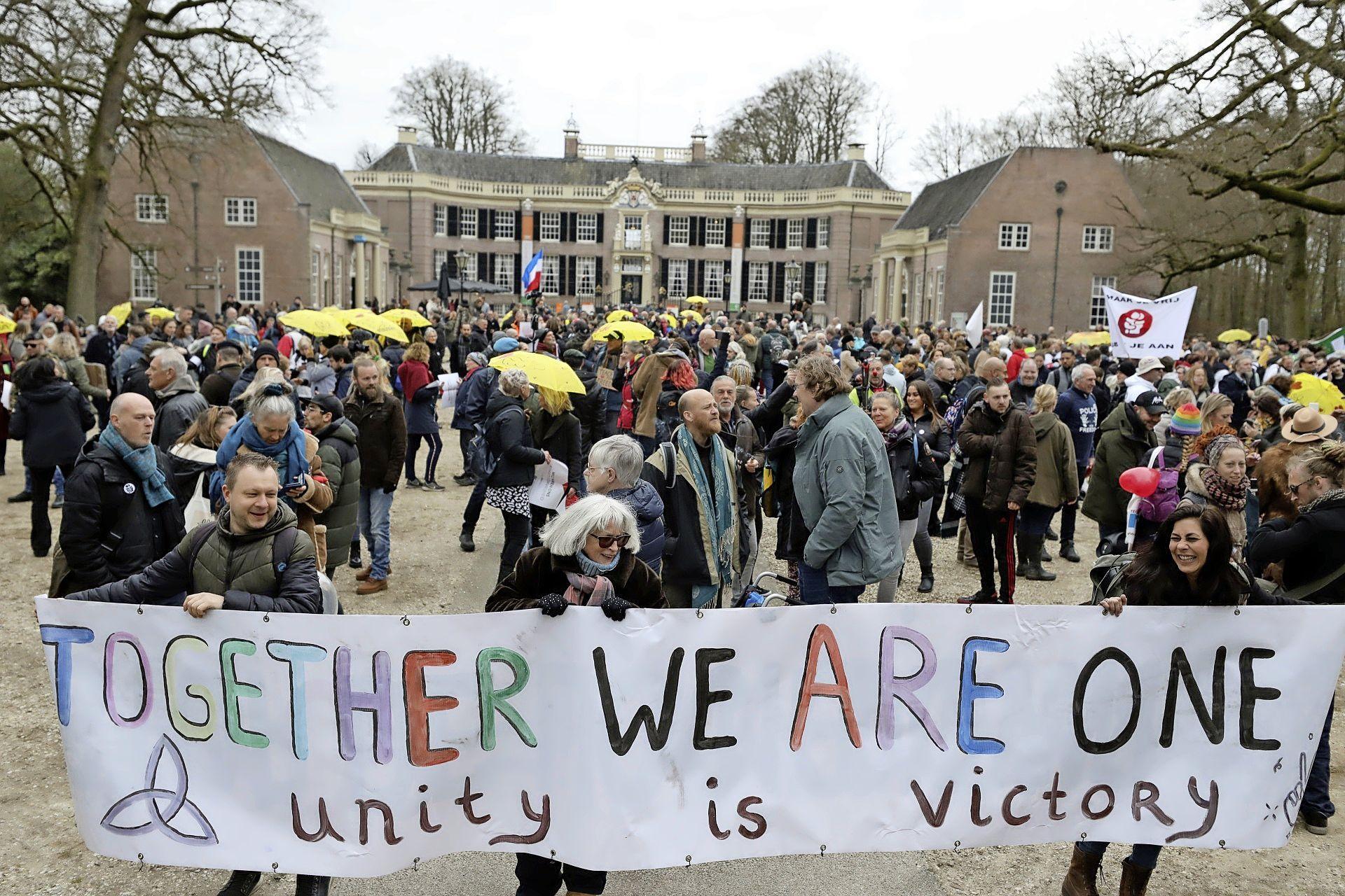 Complimenten van coronademonstranten voor coöperatief Baarn vallen volkomen verkeerd bij CDA'er Rik van Hardeveld: 'Op zijn best twijfelachtig, volgende keer verbieden'