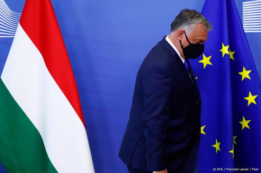 Europese Commissie hard over rechtstaat Hongarije en Polen