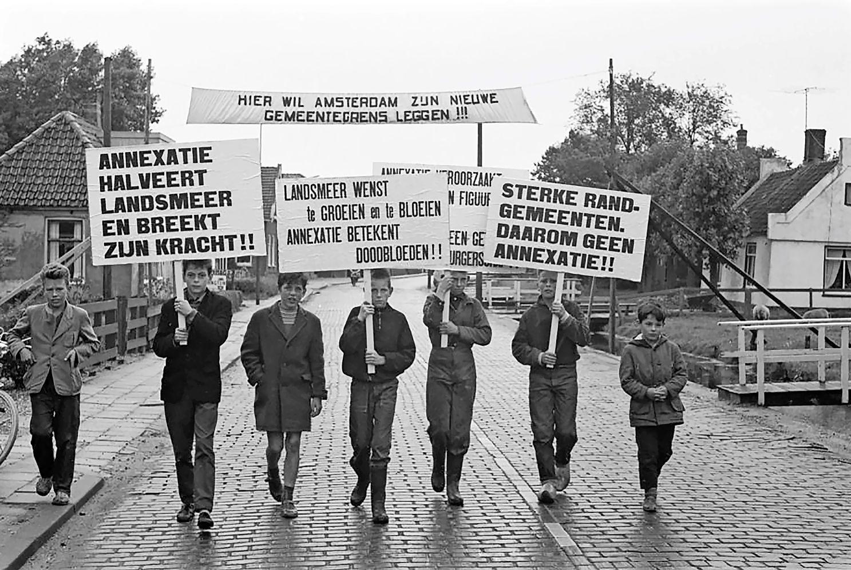 55 jaar na landjepik is er nog steeds verdriet bij ex-Landsmeerders en ex-Oostzaners over de inlijving van hun huis door Amsterdam: 'Wij worden nooit Amsterdammer'