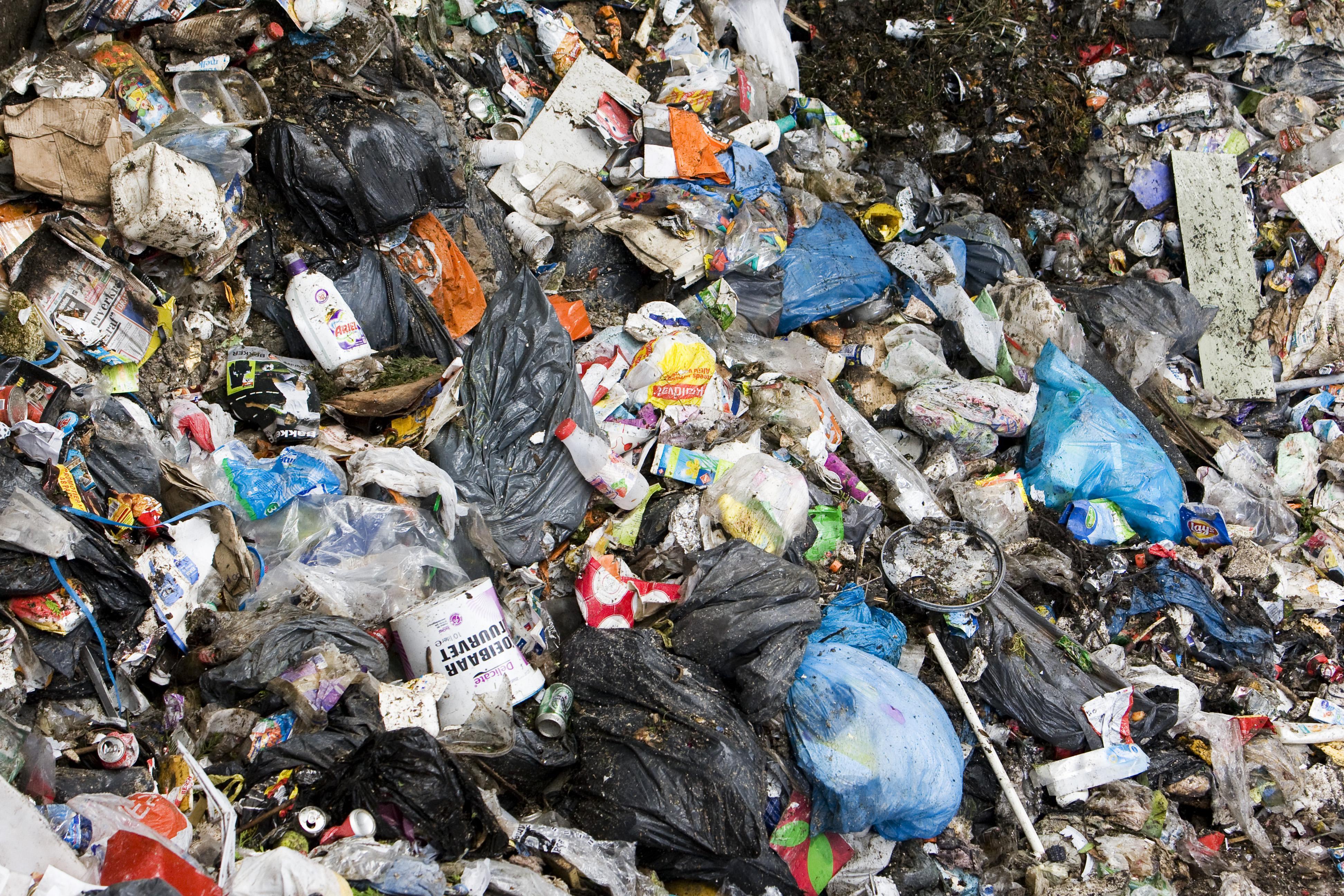 Afvalstoffenheffing stijgt met zestig procent voor deel Baarnaars; bij eenpersoonshuishouden is de stijging veel minder (13,6 procent)