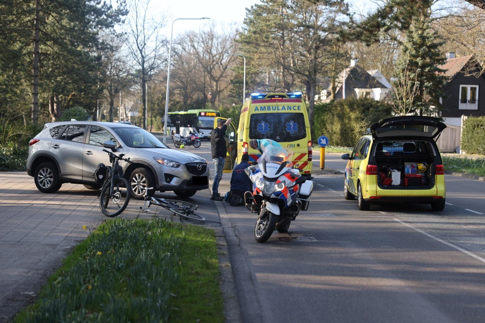 Wielrenner door auto geschept in Aerdenhout