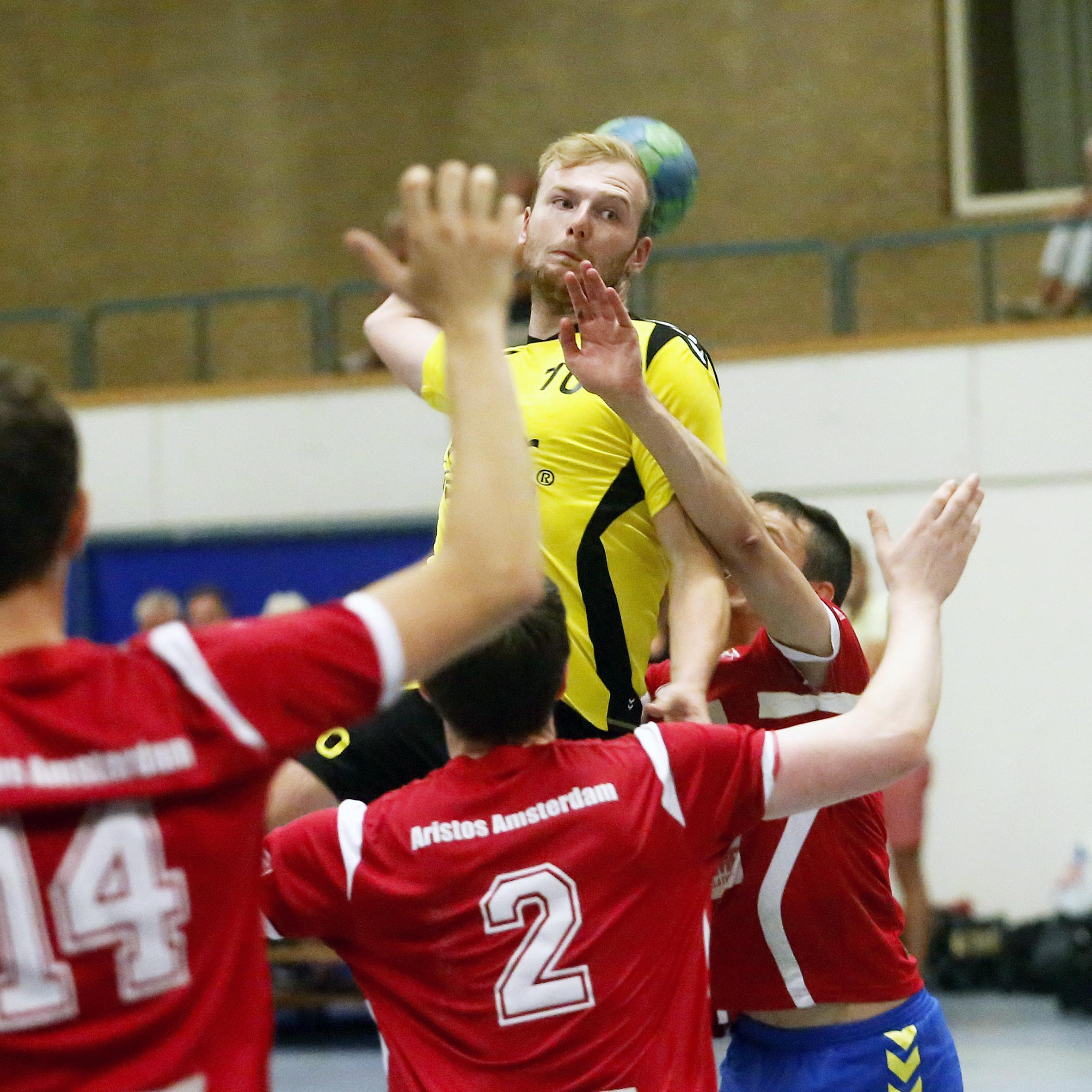 Handbal: Spanning, sensatie en succes bij langverwachte rentree HV Eemland in eerste divisie