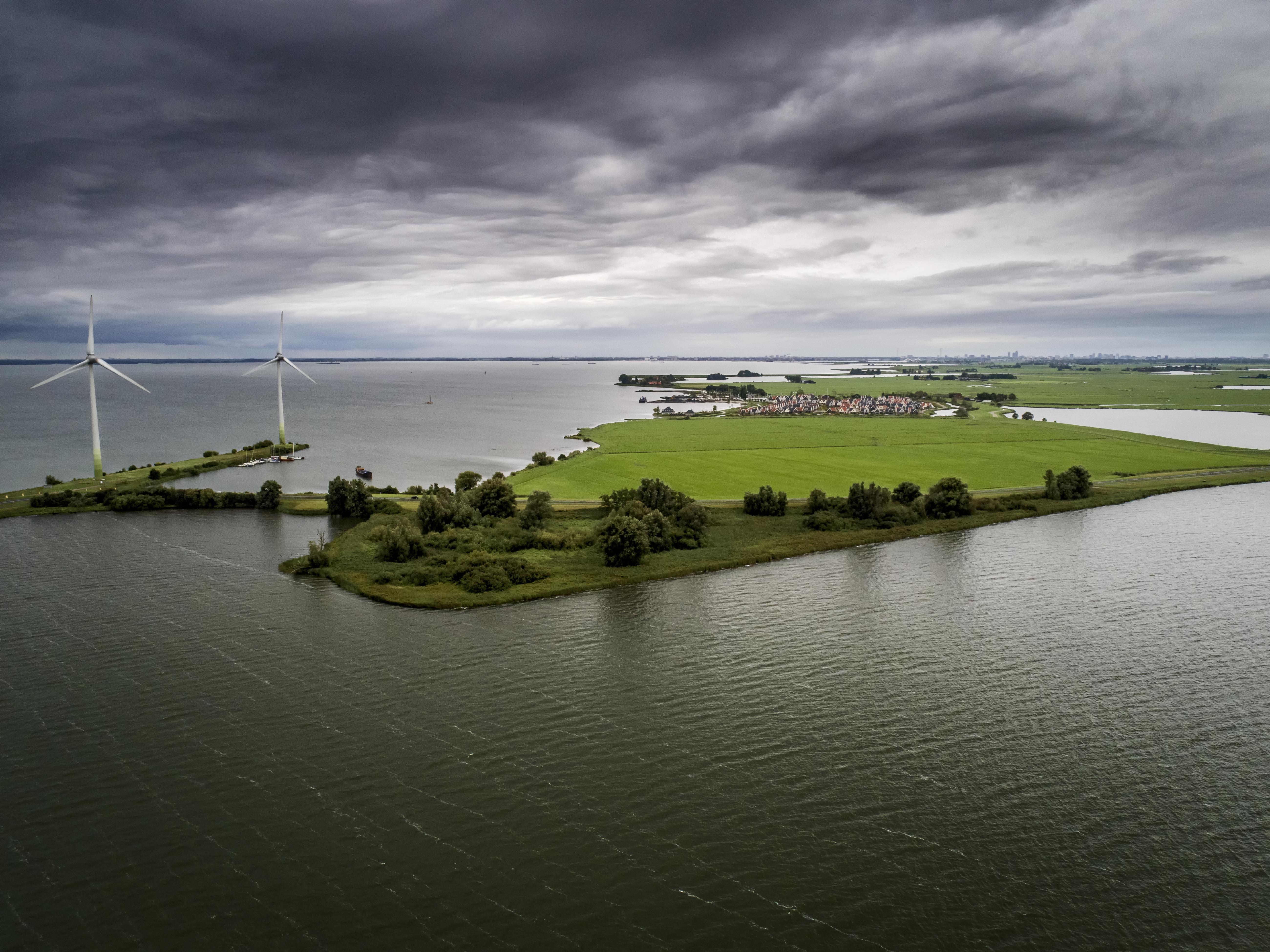Natuurmonumenten: 'Wel windmolens in De Purmer, niet langs de A7'