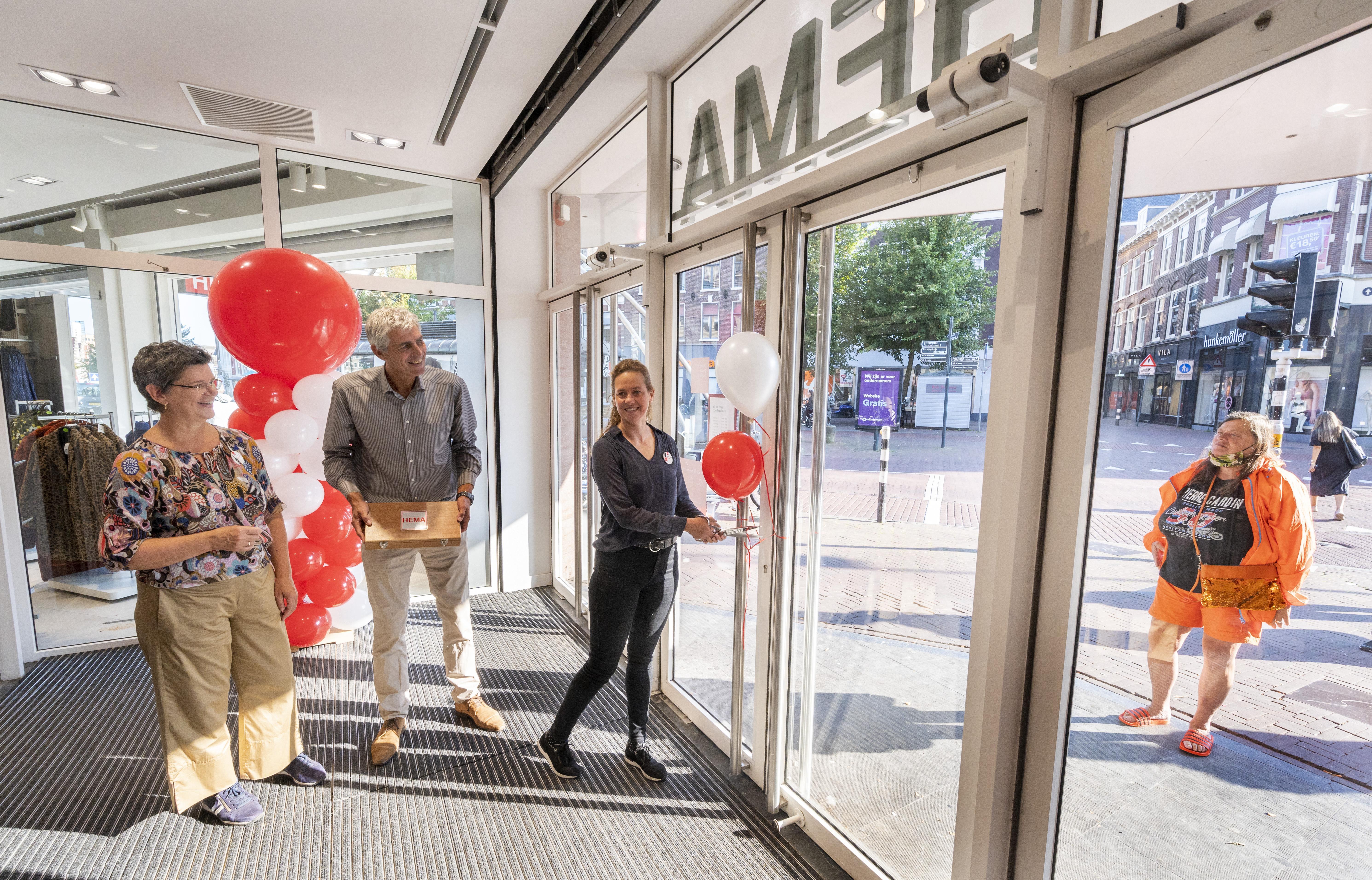 Hema in oude V&D Haarlem opent stilletjes 'Met een tompouce-actie, trek je al snel te veel publiek'