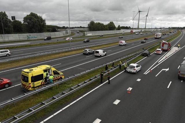 Gewonde bij botsing op de A4 bij Leiden