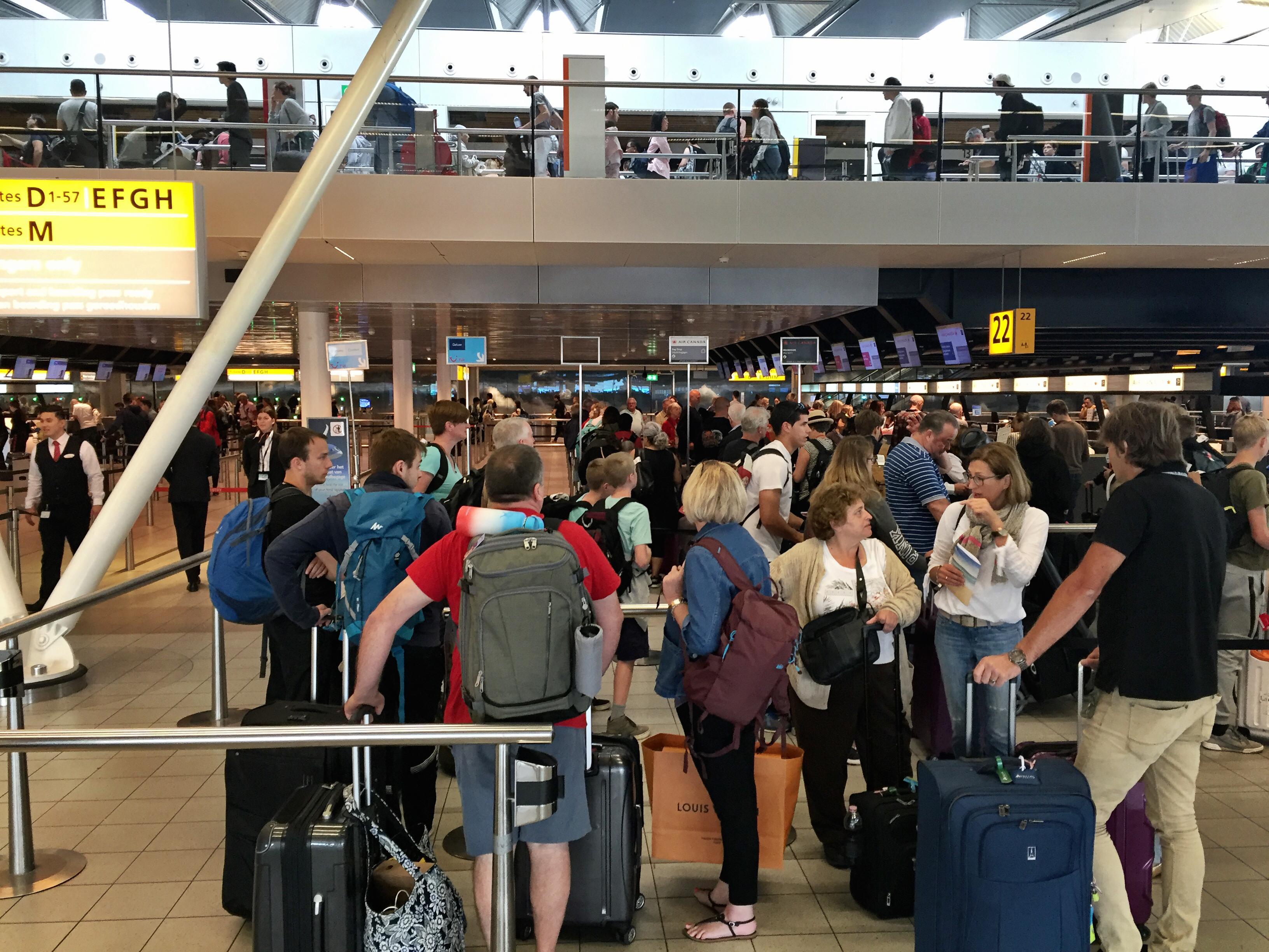 Schiphol verwacht 13 miljoen passagiers in zomerpiek