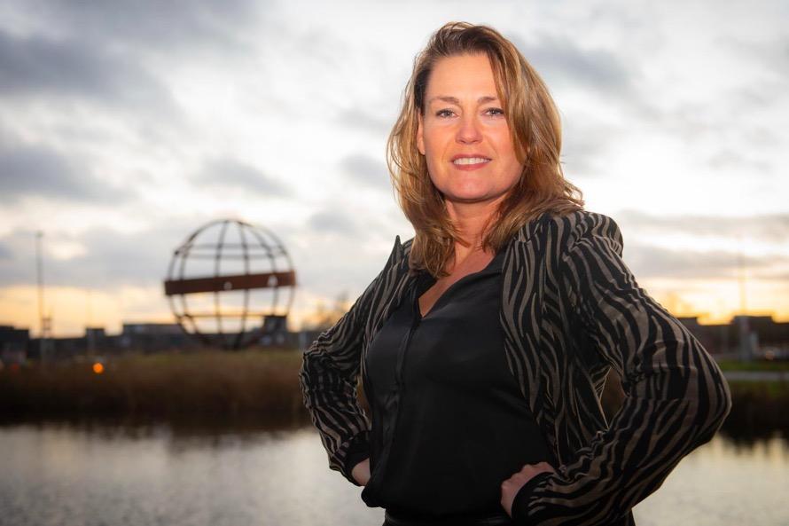 Vrouwelijke bestuurders uit Zaanstreek-Waterland streven naar diversiteit. Hoe ervaren zij het politieke mannenbolwerk? 'Vrouwen denken vaak dat ze de politiek niet aankunnen'