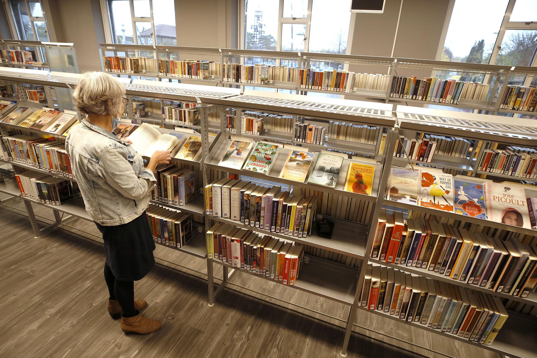 De bibliotheek teert al jaren in en vraagt anderhalve ton extra subsidie om goed te blijven draaien. 'Het is koorddansen zo'