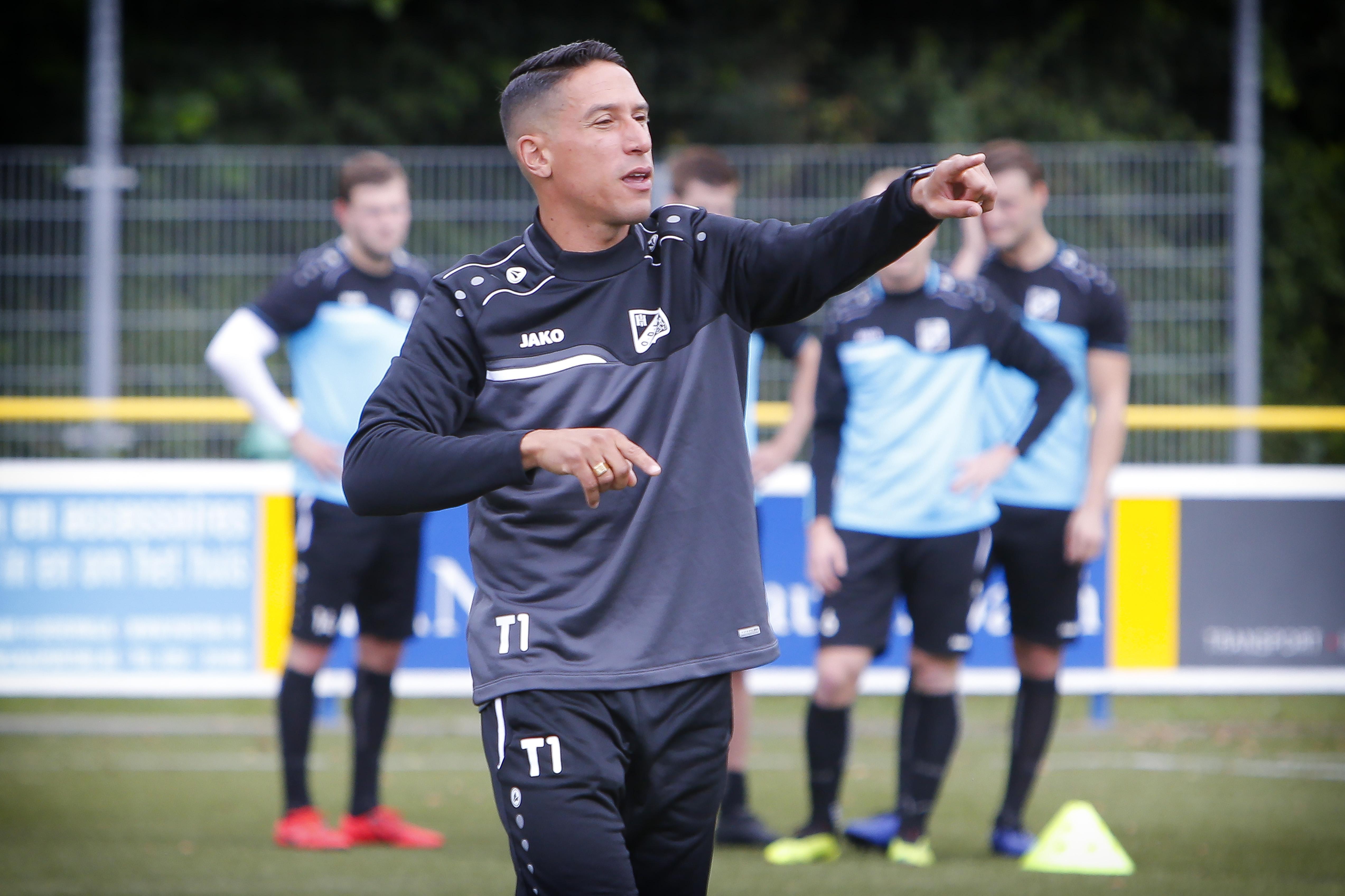 Trainer Anthony Correia verlengt contract bij Katwijk; Edwin Grünholz blijft bij Quick Boys